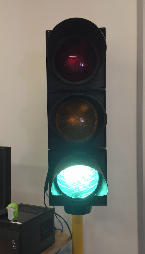Build Server Traffic Lights – LazySequence<UnsafePointer>